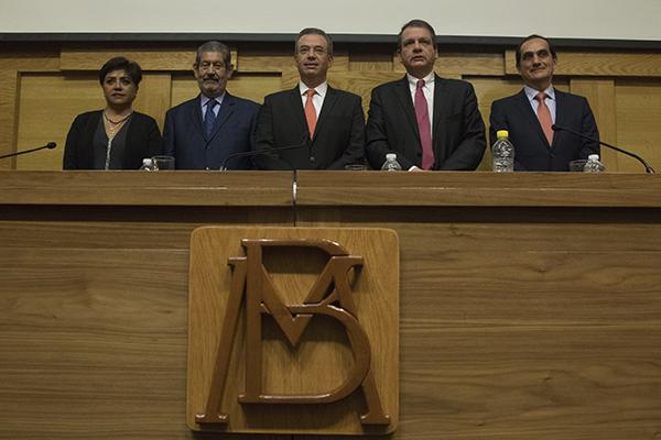 La Junta de Gobierno ajustó los tabuladores de las remuneraciones correspondientes a los servidores públicos del instituto central. FOTO: CUARTOSCIURO