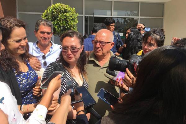 """""""(Estoy) muy feliz, voy a poder ver a mi bebé"""", fueron las primeras palabras de Dafne al salir del Tribunal de Control y Enjuiciamiento de San Juan del Río"""