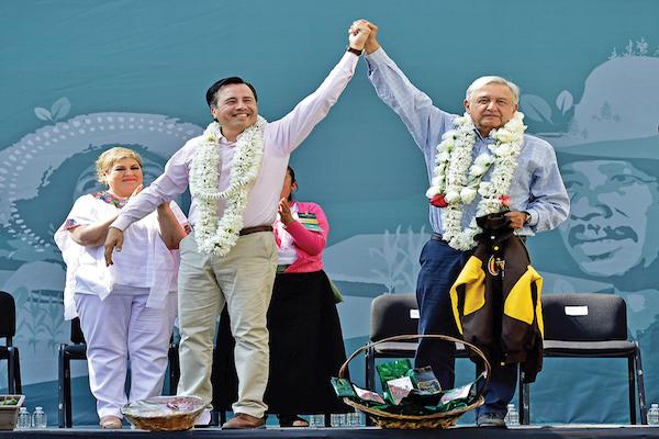 ALIADOS. El presidente López Obrador fue acompañado por el gobernador Cuitláhuac García.  FOTO: GOBIERNO DE LA REPÚBLICA /CUARTOSCURO.COM