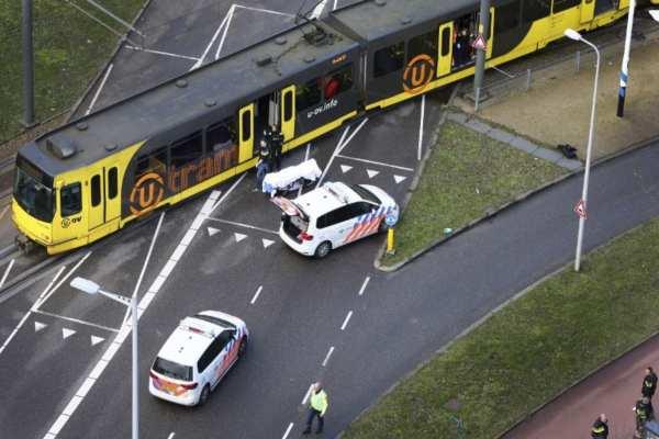 Las autoridades no descartan que pueda haber otros tiradores. Foto: AFP