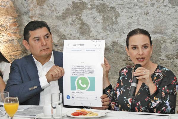 Alejandro Armenta y Nancy de la Sierra externaron su desacuerdo, en rueda de prensa. Foto: Enfoque