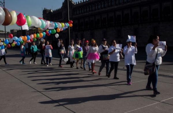 Protesta frente a Palacio Nacional. FOTO: ESPECIAL