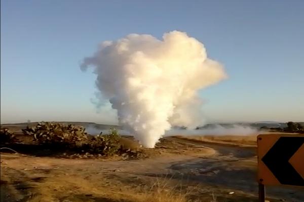 Una fuga de gas cuya nube alcanzó los 10 metros, fue controlada esta mañana en la comunidad Santa Bárbara La Cueva. Foto Fernando Paniagua