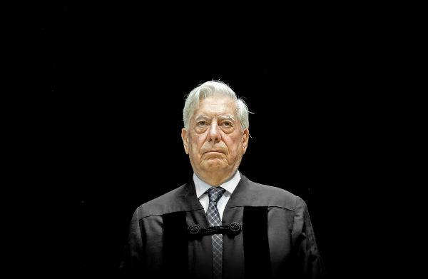 """Con políticas como las de Venezuela no se conduce un país a la prosperidad y a la justicia"""". Vargas Llosa. Foto: AP"""