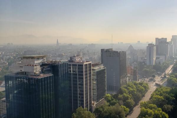 Las autoridades recomendaron a las personas sensibles limitar esfuerzos al aire libre. Foto: Especial