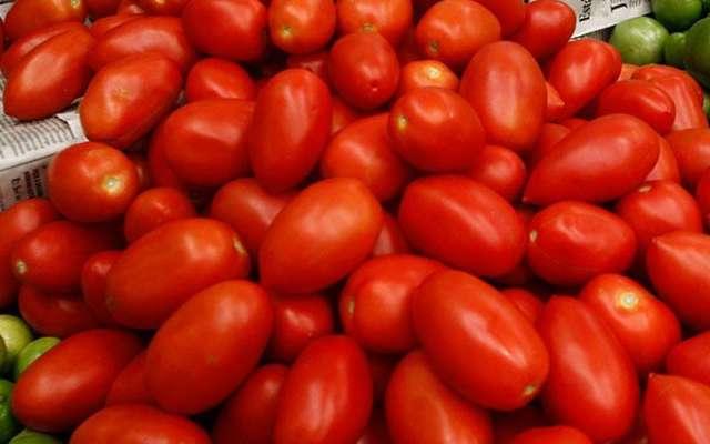 Jitomates en el mercado.