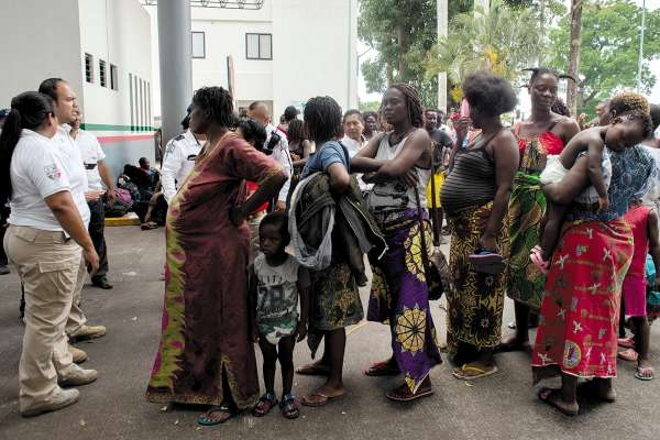 Embarazadas piden un lugar en un refugio. FOTO:CUARTOSCURO