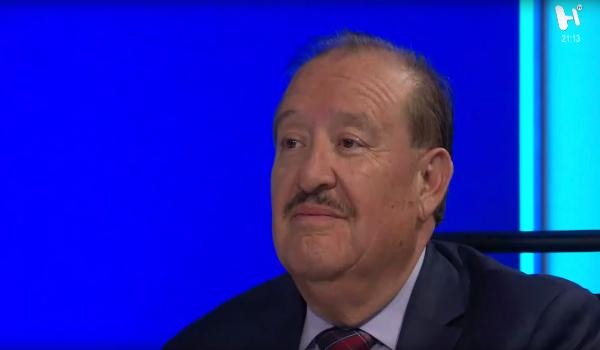 Carlos Álvarez Flores en estudio de Análisis Político