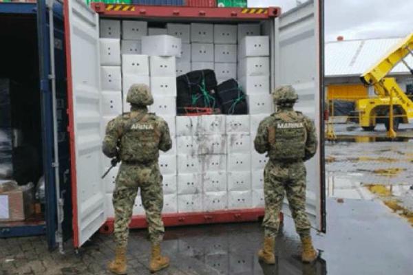 Semar decomisa en Manzanillo más de 60 kilos de cocaína procedentes de Perú