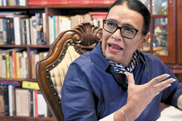 VOZ. La secretaria de Gobierno, Rosa Icela Rodríguez, dijo que la información sobre datos en seguridad se dará en una conferencia. Foto: Pablo Salazar.