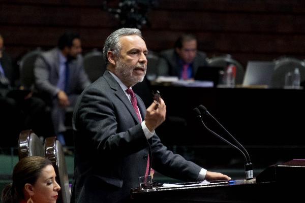 Alfonso Ramírez en el senado de la República