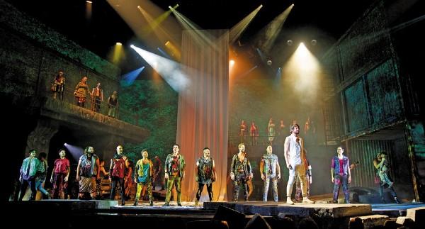 TRABAJO. Actualmente Gou Producciones tiene 12 puestas en escena de gira.  Coeditor Gráfico: Ismael Espinoza