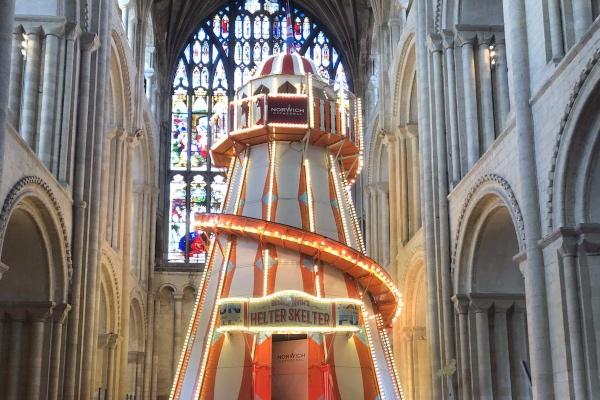 La iniciativa provocó protestas y el reverendo Gavin Ashenden explicó que la catedral había cometido un error. Sin embargo, la directiva sostuvo que es una manera creativa de compartir la historia de la Biblia. Foto: Twitter