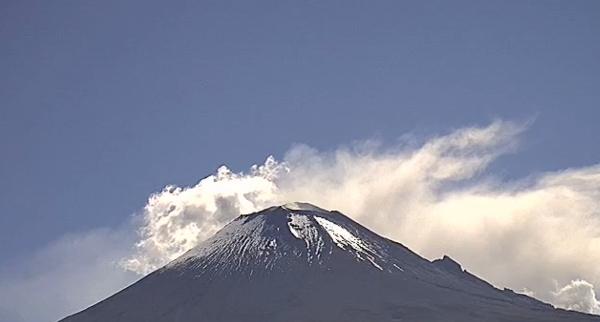 El Semáforo de Alerta Volcánica del Popocatépetl continúa en Amarillo Fase 2. Foto Webcams
