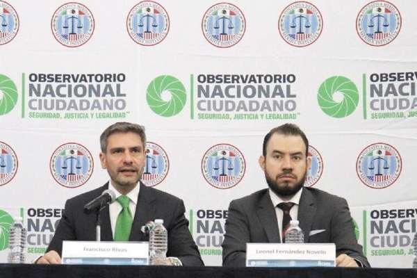 CIFRA. Francisco Rivas (izq.) informó que se abrieron 667 carpetas en seis meses. Foto: Especial