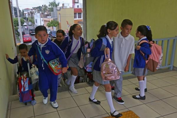 80_por_ciento_de_los_alumnos_que_regresaron_a_clases_vive_en_pobreza
