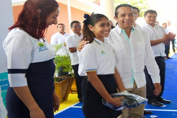 Quintana_roo_entrega_utiles_escolares-2