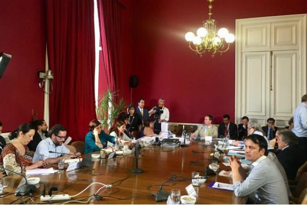 Senado chileno debate sobre matrimonio igualitario