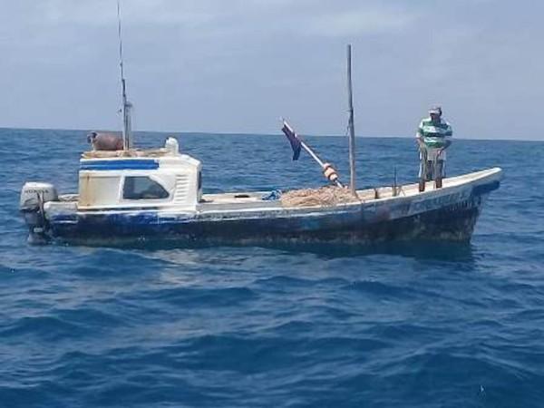 Servicios de emergencia salieron en su busca tras recibir la alerta de la desaparición de un pescador. Foto: Especial