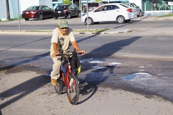 PERFIL. Adultos y adultos mayores son los que más se suben a la bicicleta. Foto: Herbeth Escalante