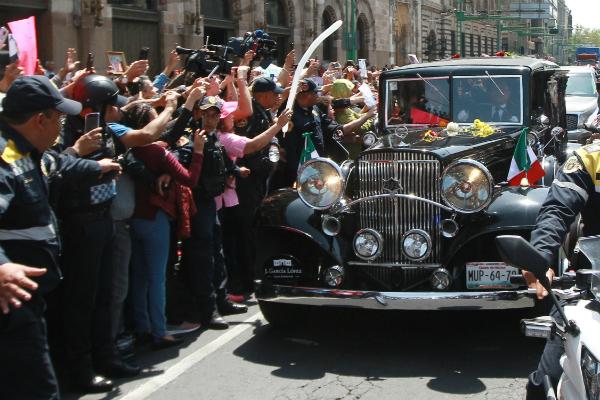 El cortejo fúnebre llegó al panteón. Foto: Notimex.