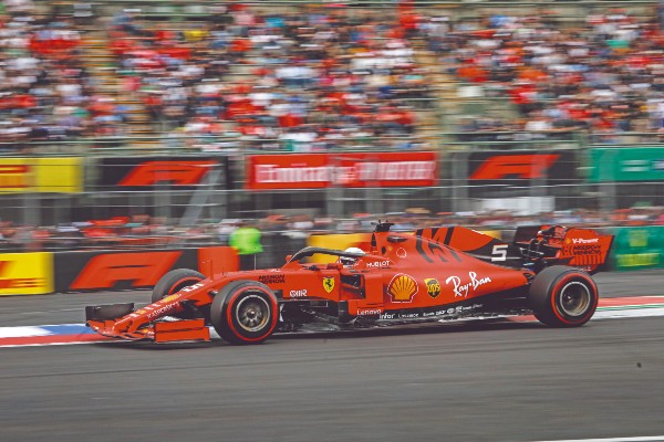 POTENTE. Vettel dominó la segunda sesión de entrenamientos. Foto: Nayeli Cruz