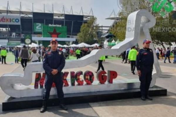 Se despliega un operativo en el Autódromo Hermanos Rodríguez. Foto: @OVIALCDMX