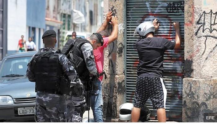 MANAUS. La Policía no sufrió bajas en el tiroteo que se desató en el norte de Brasil. Foto. EFE