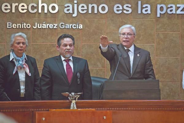 ARRANQUE. Ayer comenzó el primer gobierno de izquierda en Baja California, tras 30 años de administraciones panistas. Foto: Cuartoscuro