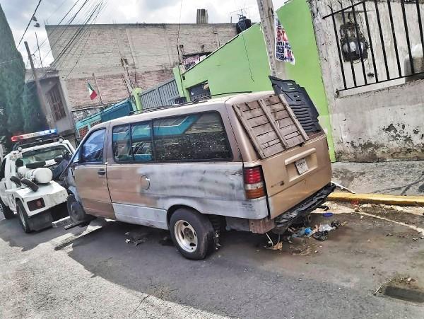 LIMPIA. La alcaldía con más vehículos abandonados es Iztapalapa. Foto: Especial