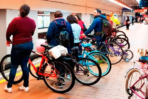 bicicleta_metro_paseo_nocturno_cdmx