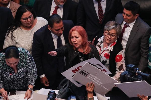 Rosario Piedra Ibarra tomó protesta como nueva titular de la Comisión Nacional de Derechos Humanos ante el pleno del Senado de la República.  FOTO: GALO CAÑAS /CUARTOSCURO.COM