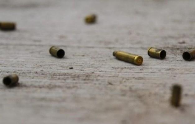 Resultado del ataque, una  mujer fue lesionada en el intercambio de disparos. Foto: Especial