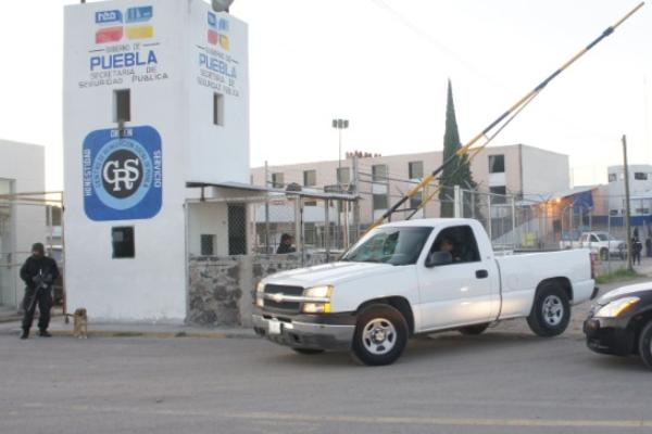 Gobernador pide construir más cárceles en Puebla