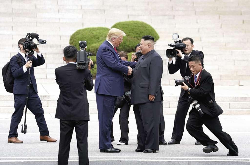 UN DILEMA. El presidente Donald Trump respondió advirtiendo a Kim Jong-un, de que perderá