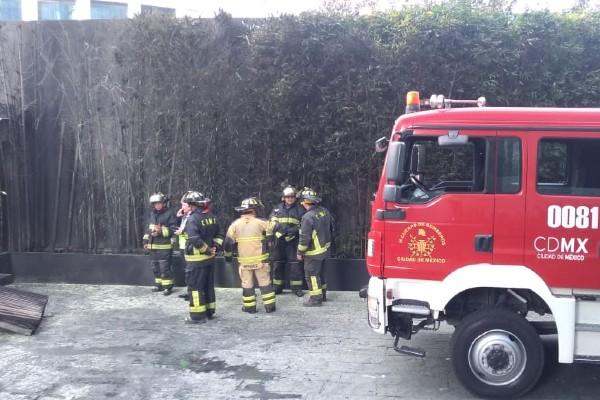 incendio-plaza-park-santa-fe-bombas-evacuados-ciudad-mexico