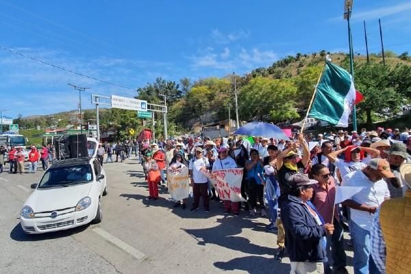 bloqueo-autopista-acapulco-sol