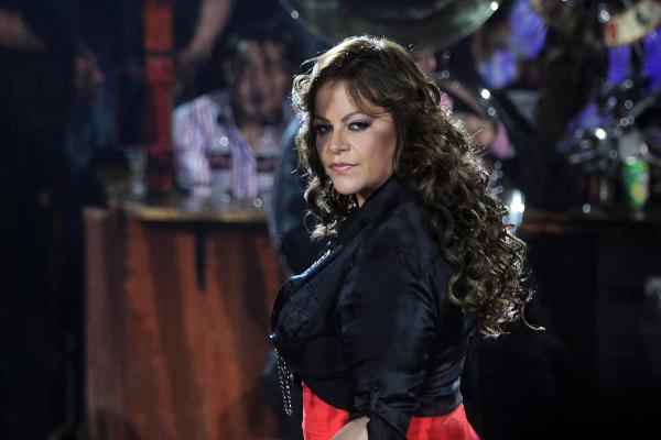 Jenni Rivera pidió ayuda a famoso cantante mexicano cuando la amenazaban de muerte_ VIDEO