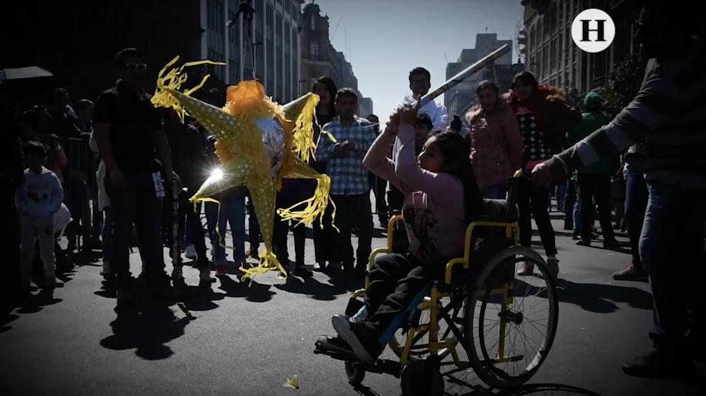 Por Día de Reyes, rompen mil piñatas en la CDMX