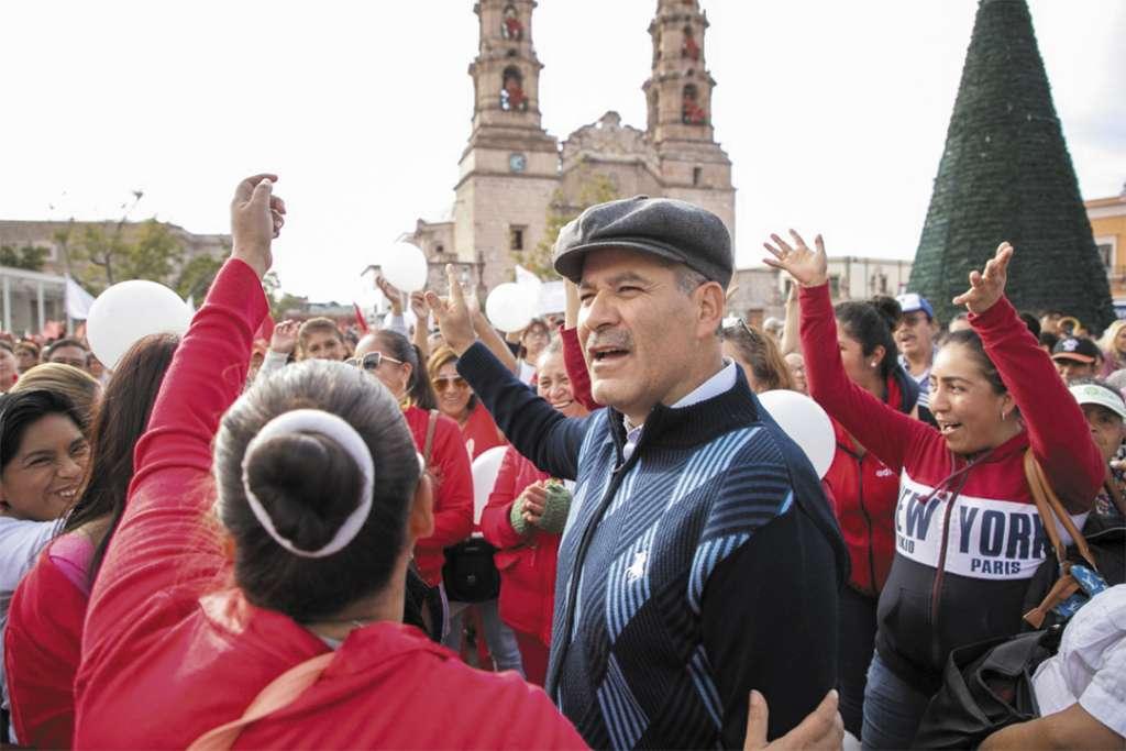 MITIN. El gobernador de Aguascalientes, Martín Orozco, rechazó firmar el convenio federal. Foto: Especial