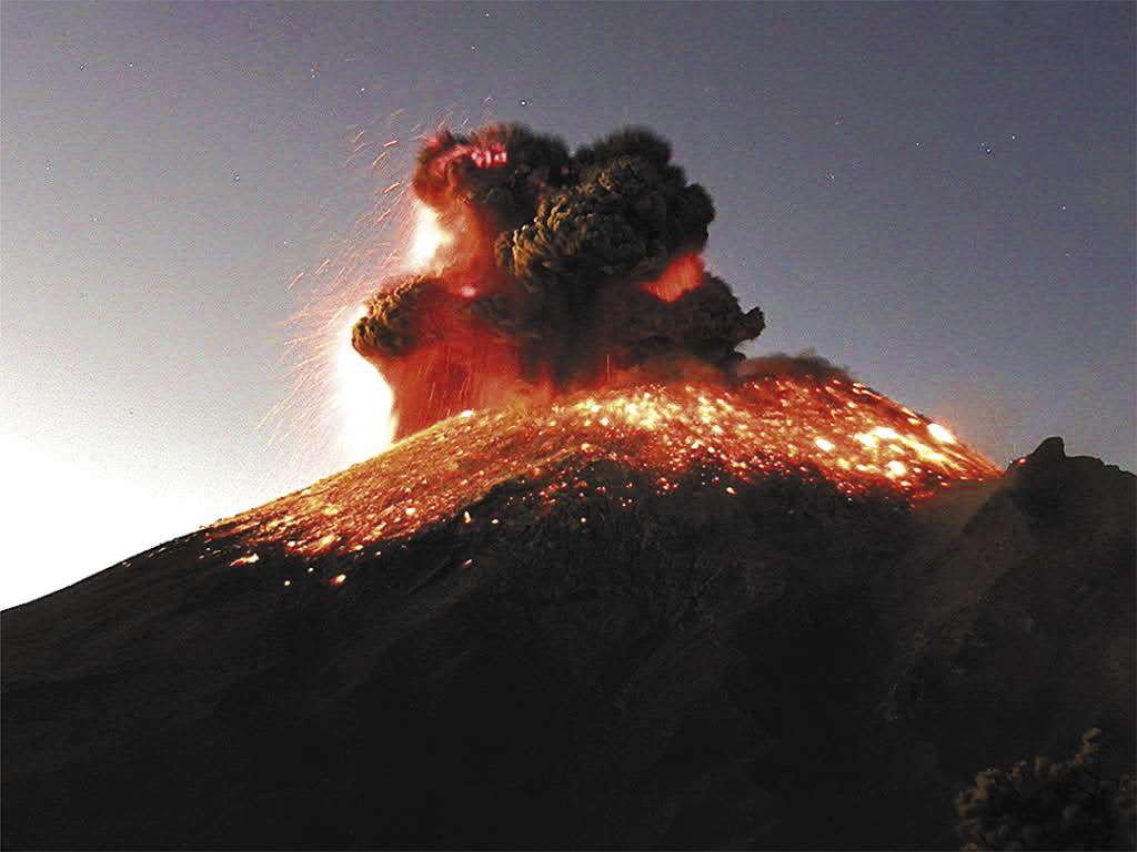 EFECTO EN LA SALUD. La ceniza volcánica puede afectar ojos, vías respiratorias y la piel, según especialistas. Foto: Especial