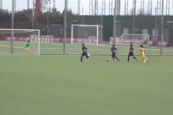 lionel-messi-thiago-gol-partido-amistoso-luis-suarez-gerard-pique-shakira-viral-video
