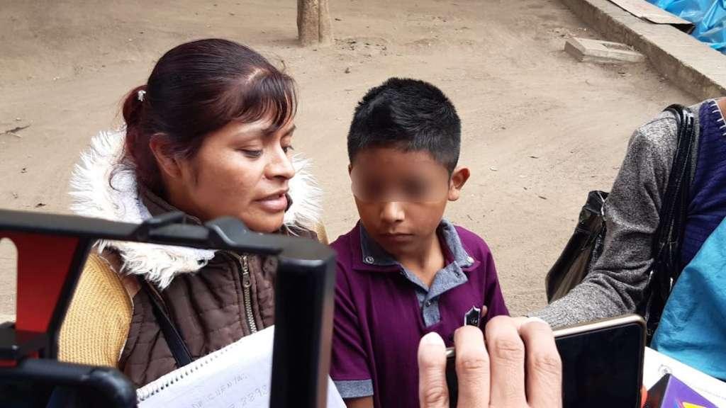 En el Hospital Civil y de la Niñez Oaxaqueña no hay un oftalmólogo que pueda atender a César. Foto: Especial