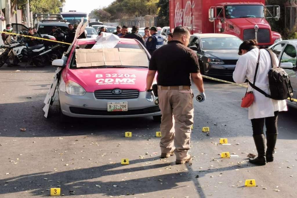 En el ataque murieron el taxista y su pasajero. Foto: Gerardo Galicia