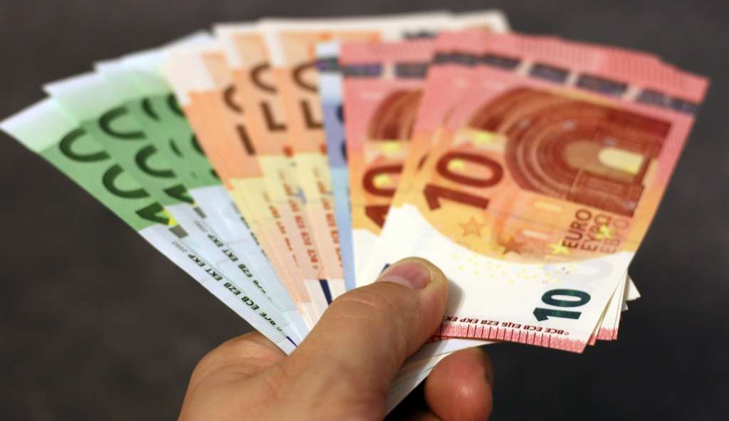Gobierno federal coloca bonos en euros para refinanciar deuda de 2 mil 300 millones de dólares