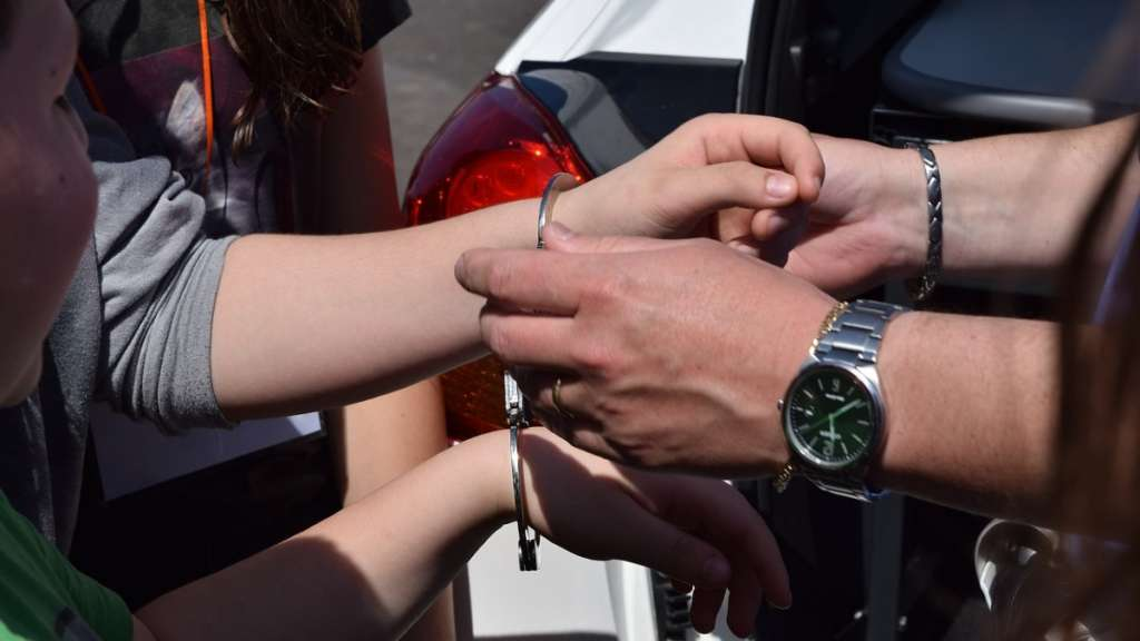 mujer-detenida-arrestada-extorsion-delito-comerciante-fiscalia-ciudad-mexico