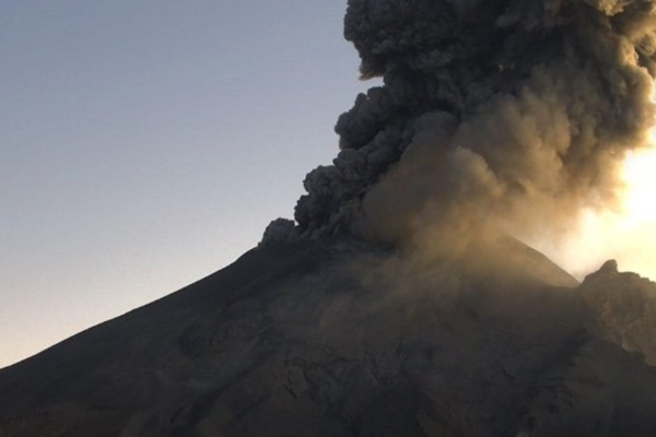 Cenapred_popocatépetl_volcán_ceniza