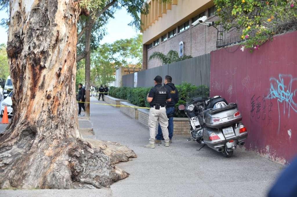 LUTO. El episodio del viernes dejó dos personas fallecidas en el colegio coahuilense. Foto: Cuartoscuro