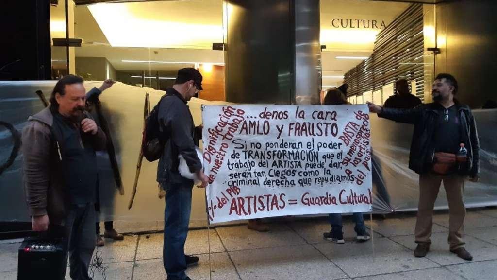 manifestantes-secretaria-cultura-programas-federales-artistas-pagos