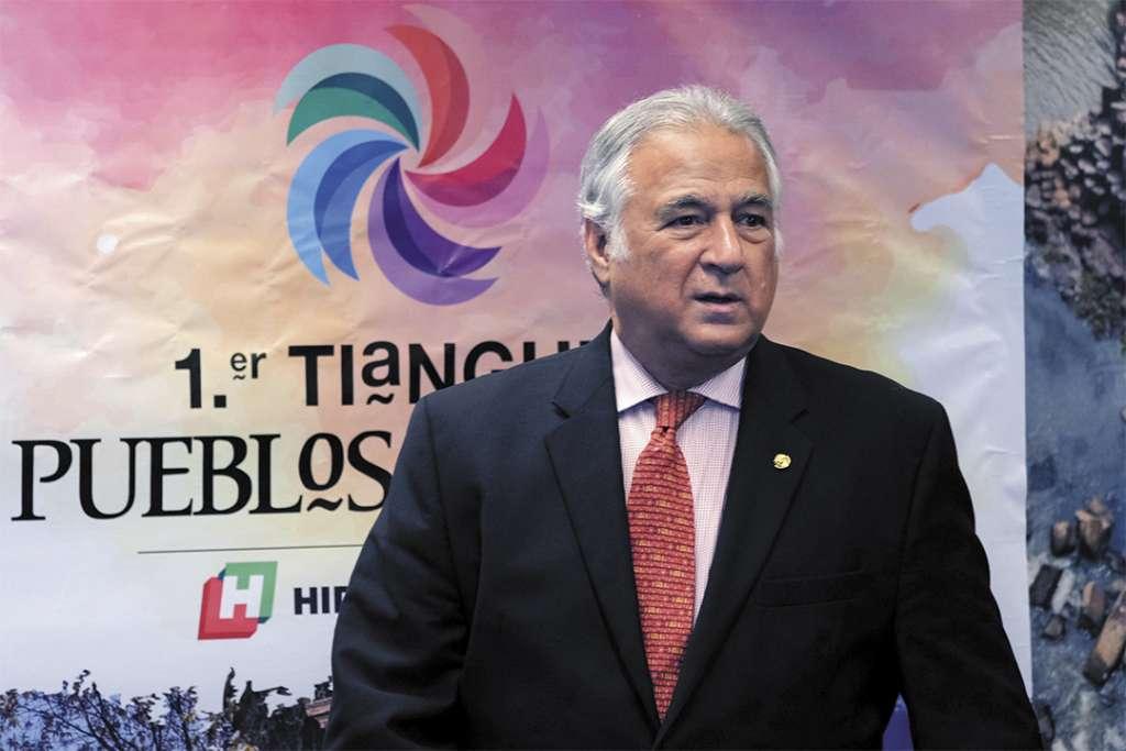 MISIÓN. El secretario de Turismo, Miguel Torruco, busca promover el patrimonio cultural del país. Foto: Cuartoscuro